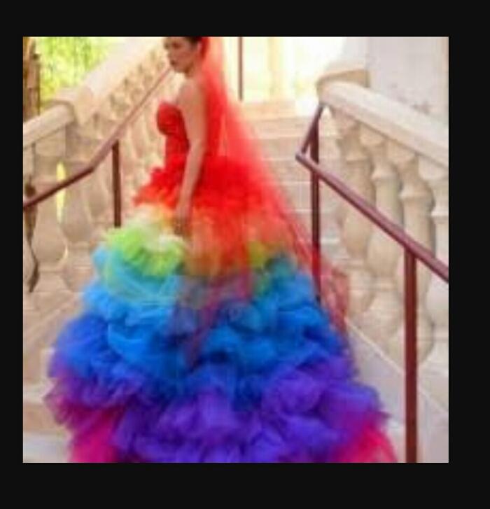 Фото свадебное платье цветное