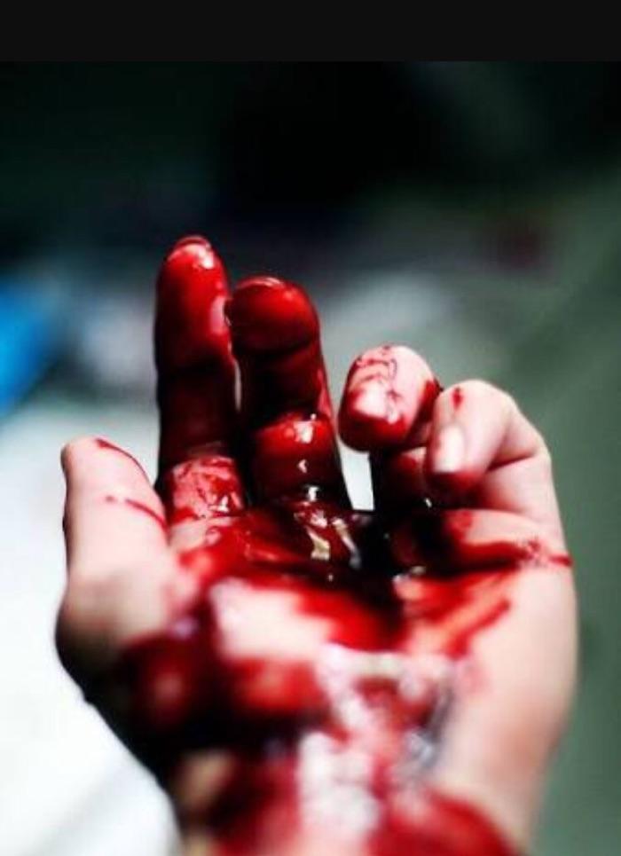 К чему снится кровь на руках своих от месячных